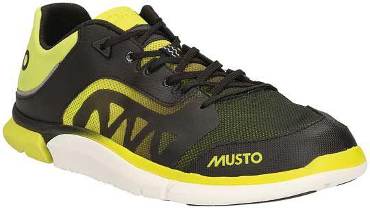 Musto revisite la chaussure de pont