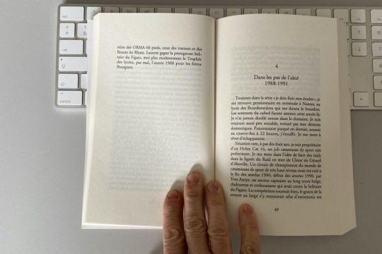 Fils De La Mer Une Biographie D Yvan Bourgnon Avec Celle De Laurent En Toile De Fond