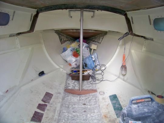 Installation d'une épontille en inox.