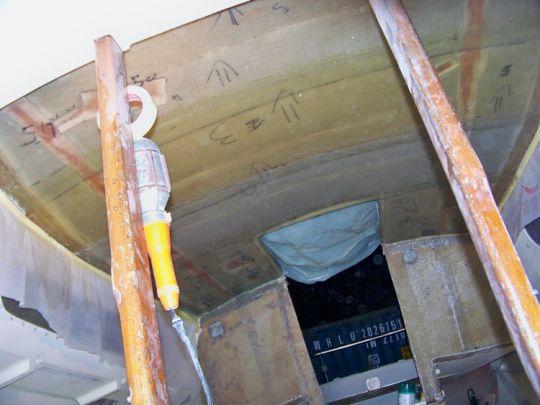 Stratification du plafond. Celui-ci sera ensuite caché par un vaigrage (cp de 5 mm + skaï)