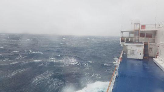 Le passage du Drake, même depuis le pont de l'Ocean Atlantic, les conditions de mer sont impressionnantes.