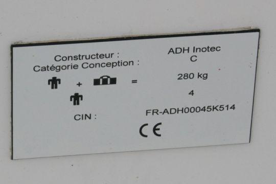 Plaque constructeur d'un Diam 24 de chez ADH Inotech