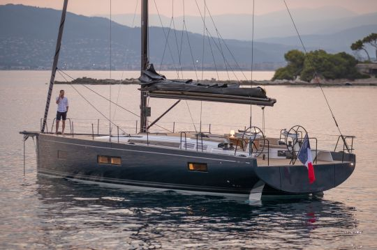 Le First Yacht 53