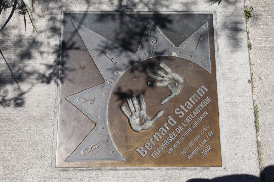 The slab in homage to Bernard Stamm, in Brest