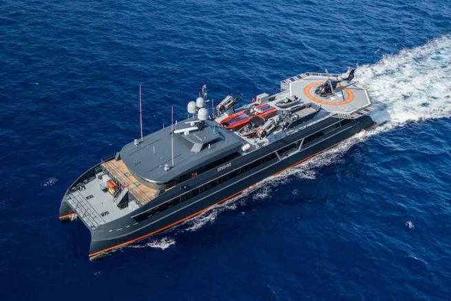 Le catamaran support Hodor