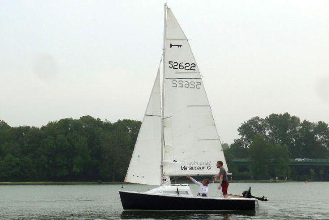 Première navigation sous voiles pour le Maraudeur construction amateur