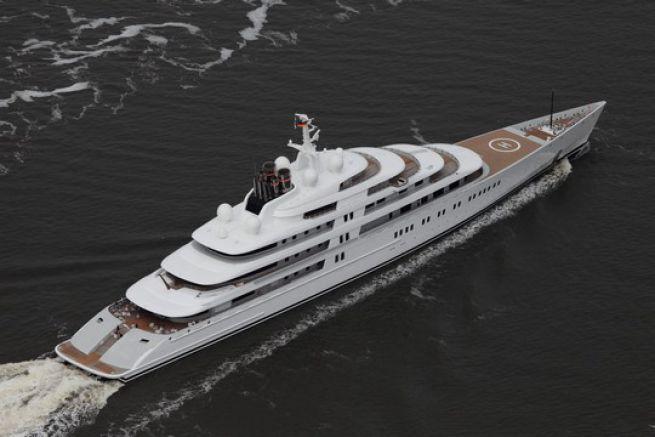 Quels sont les cinq plus grands yachts au monde for Yacht de luxe interieur