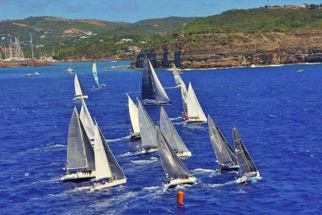 Départ de course devant English Harbour à Antigua