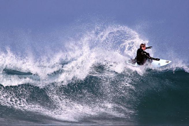 10 spots de surf pour glisser sur les plus belles vagues d'Europe