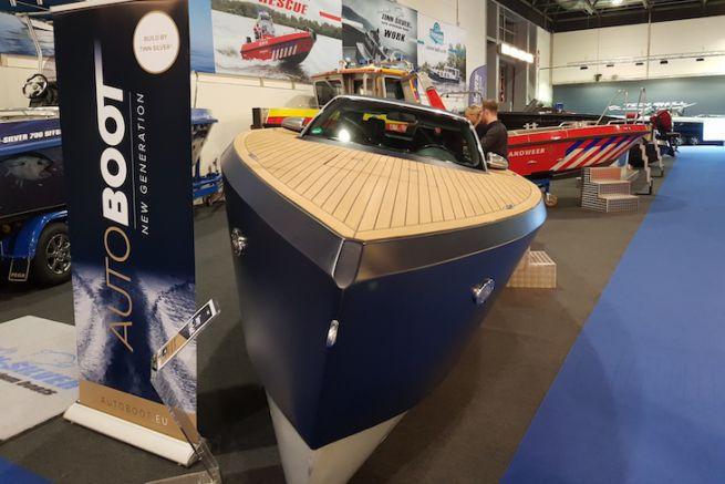 L'Autoboot sur le Boot Düsseldorf