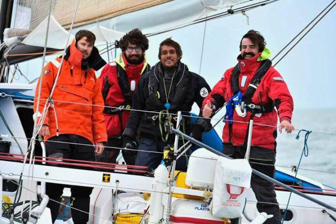 L'équipage de Colombre XL à l'arrivée à La Rochelle