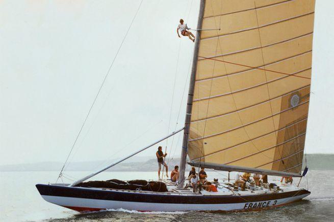 France III, qui effectuera sa première participation en 1980, skippé par Bruno Troublé