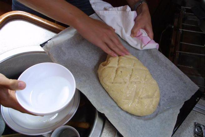 Préparation du pain en mer