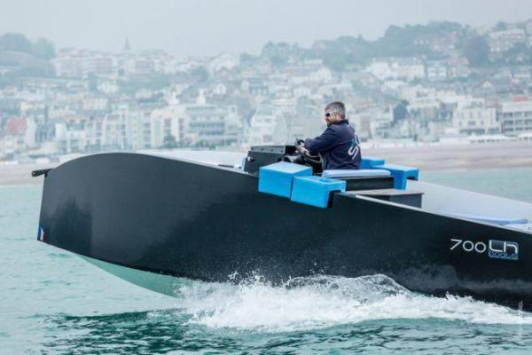 Le LH Boat 700 en essai devant Le Havre