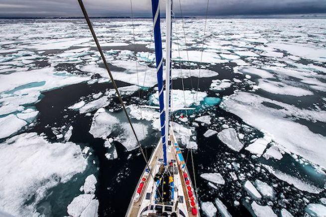 Under The Pole en plein milieu du Passage du Nord-Ouest