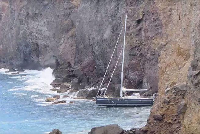 La côte ouest de Saba aux Antilles