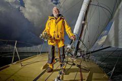 Sir Robin Knox-Johnston, le premier homme à avoir bouclé un tour du monde en solitaire