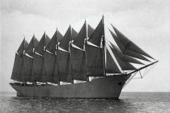 Découvrez l'histoire de la goélette Thomas W.Lawson, unique voilier sept-mâts