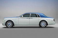 La Rolls Royce Phantom Nautica aux couleurs marines