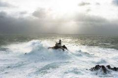 Tévennec dans la tempête par Charles Marion