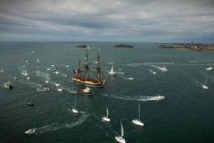 L'arrivée de l'Hermione à Saint-Malo filmée par un drone