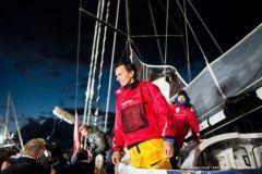 Avarie sur le Vendée Globe, une chaine humaine se met en place pour Didac Costa