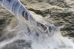 Grave avarie de foil pour Sébastien Josse sur le Vendée Globe