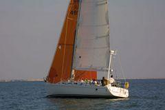 Un voilier arrive à remonter au vent