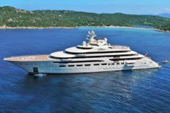 Le superyacht Dilbar, le plus grand yacht au monde en volume