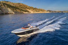 Le 240 CX d'Invictus Yacht, nouveauté 2018