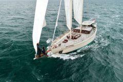 Après le Vendée Globe Eric Bellion repart… sur un schooner !