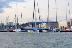 Le Maxi Banque Populaire IX remis à l'eau à Lorient