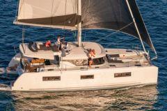 Le Lagoon 46 offre un confort exceptionnel pour un catamaran inférieur à 50 pieds