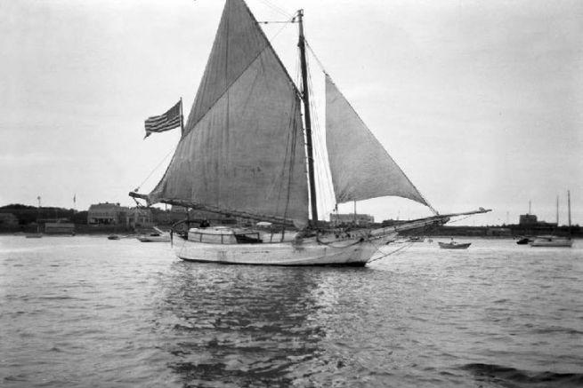 """Le """"Spray"""", premier voilier autour du monde en solitaire"""