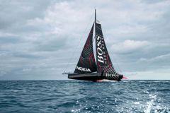 Le nouvel Hugo Boss, l'IMOCA où la zone de manoeuvre est au coeur du bateau