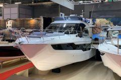 Galeon 400 Fly, un petit yacht de 11 m suréquipé
