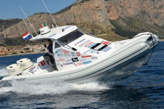 De la Méditerranée au Pacifique en bateau à moteur