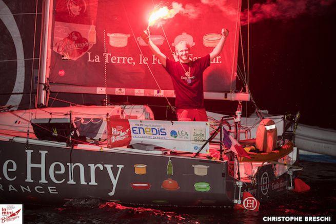 Erwan le Draoulec, vainqueur de la Mini-Transat en série