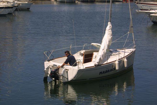 Au moteur pour rejoindre les pontons