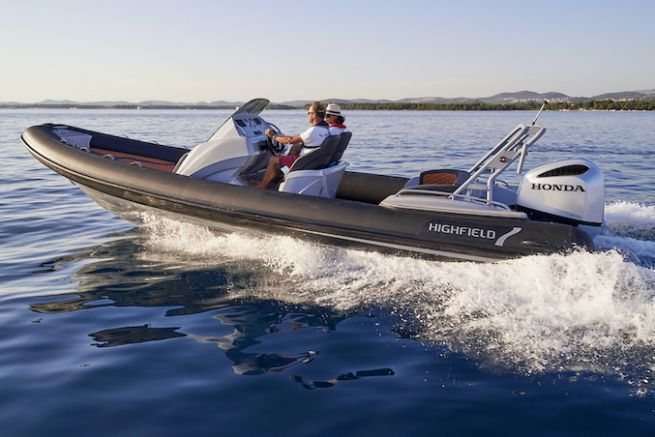 Le HX760 by Honda Marine