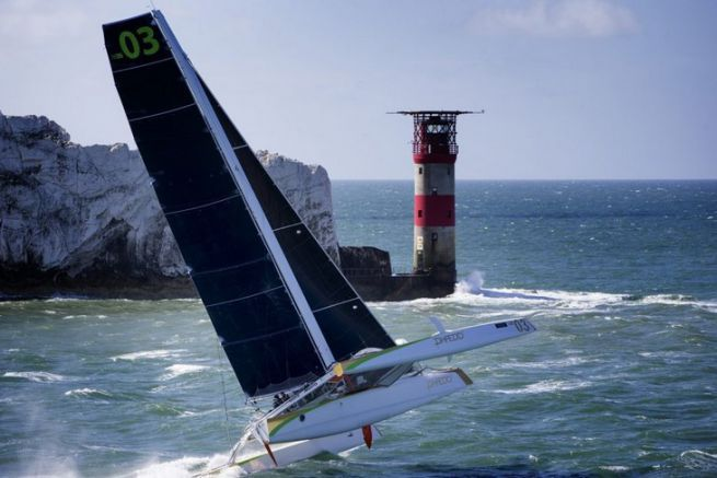 Phaedo^3 sur J.P. Morgan Asset Management Round the Island Race à Needles Lighthouse, Isle of Wight