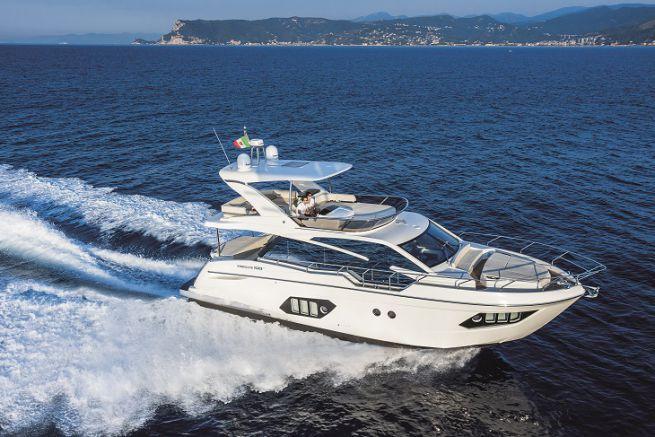 L'Absolute 50 Fly, bateau à moteur européen 2017 dans la catégorie des plus de 45 pieds