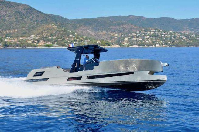 Le Revolution 39, premier modèle du chantier Canelli Yachts