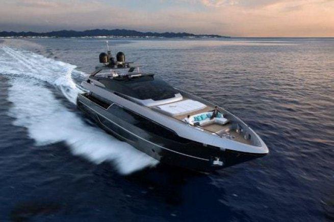 Le nouveau Riva Yacht 100' Corsaro