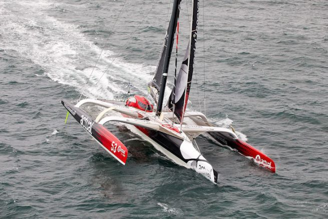 Le trimaran Actual, à l'assaut du Record du Tour du monde à l'envers