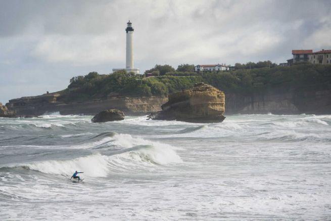 Isa World Surfing Games