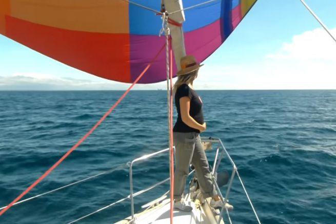 Sarah enceinte à bord de Maloya