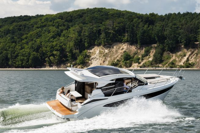Le Galeon 370 HTC à découvrir au Cannes Yachting Festival 2017