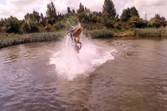 Ant Burgesse, champion du monde de jet-ski freestyle