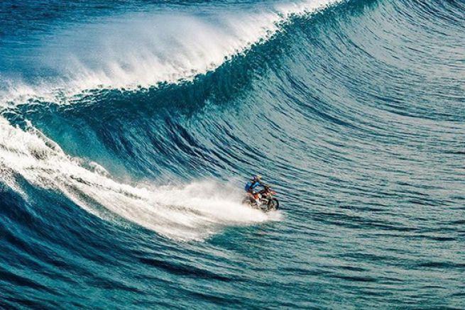 Robbie Maddison surfe en motocross